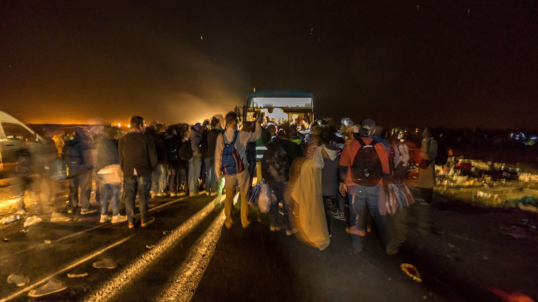 Niewidzialni, uchodzcy, wegry, serbia, roszke